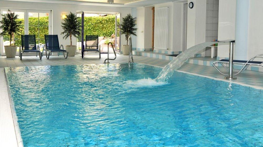 brandlhof wellnesshotel passau schwimmbad swimmingpool 1000 bayerischer wald