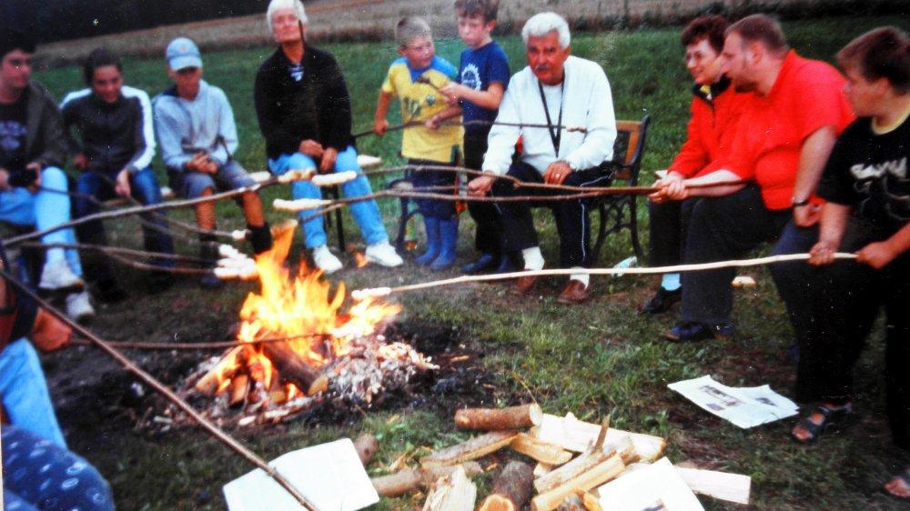 aubauernhof-familienurlaub-bayerischer-wald-erlebnisferien-lagerfeuer