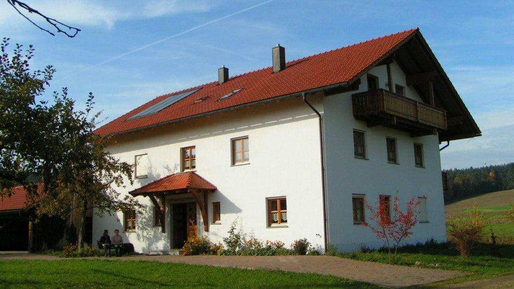 aubauernhof-ferienhaus-familienurlaub-bayern-ansicht-panorama