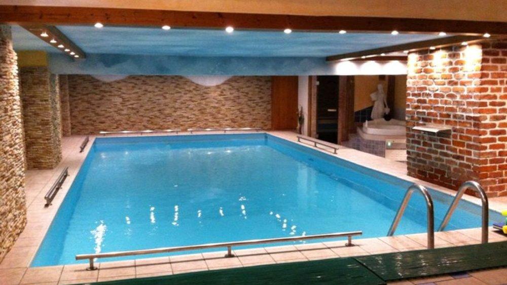 böhmerwald-wellnesshotel-mit-schwimmbad-deutschland-hallenbad