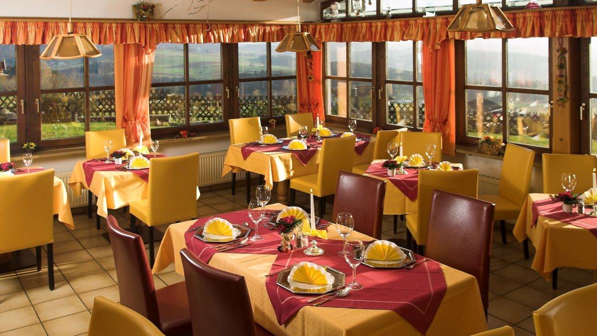 hotel-familienurlaub-kinderfreundlich-zwiesel-rinchnach-gastraum