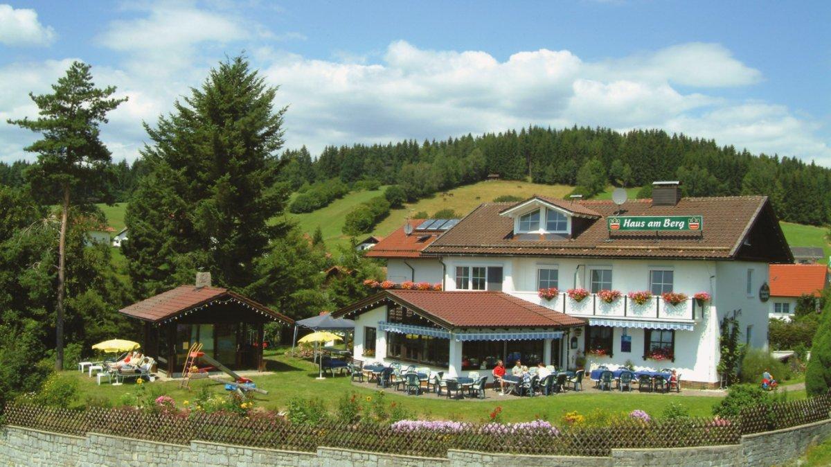hotel-kinderfreundlicher-familienurlaub-bayerischer-wald-aussenansicht