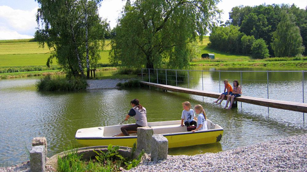 fuchsenhof-reiterferien-see-kinderferien-bootfahren