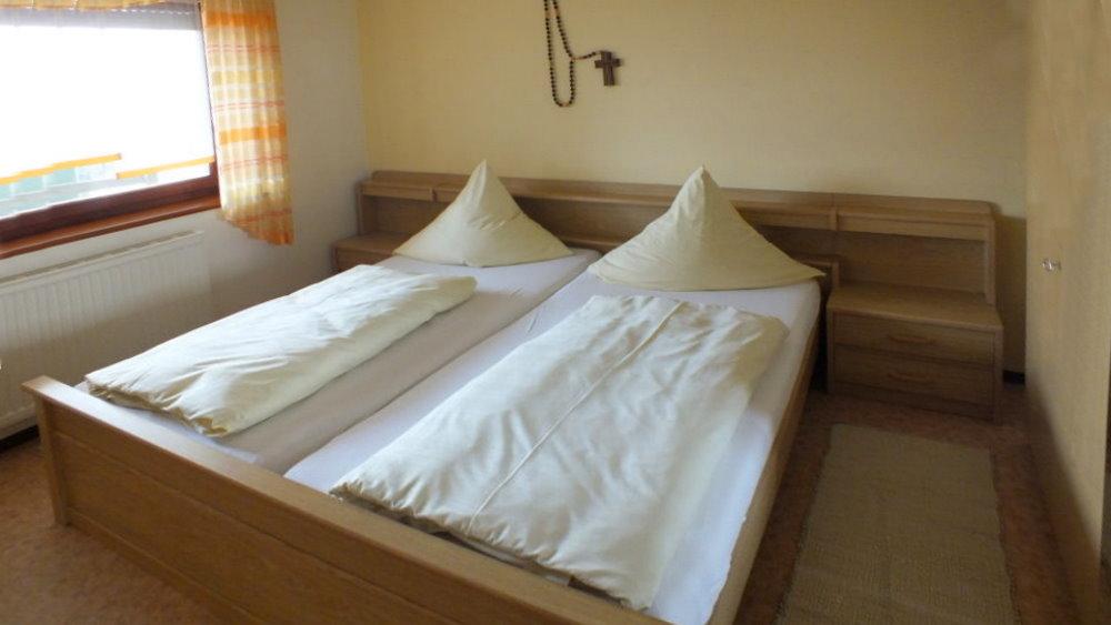 fuchsenhof-reitschule-unterkunft-bayern-schlafen