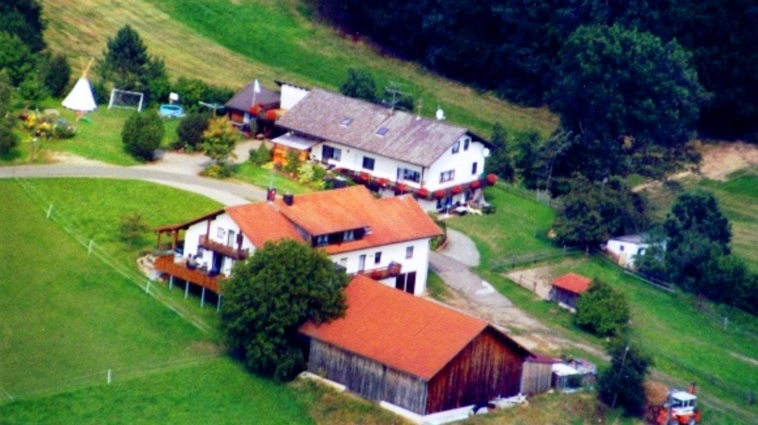 koller-ferienhof-regensburg-bauernhofurlaub-luftbild