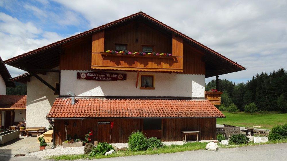 muhr-familiengasthof-kinderbauernhof-bayerischer-wald-hausansicht