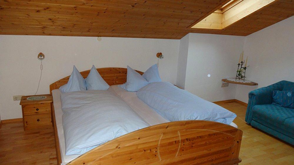muhr-ferienwohnungen-familienbauernhof-gasthof-schlafzimmer