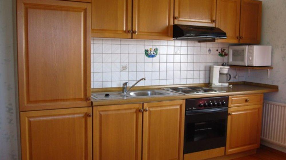 schneider-ferienwohnung-blumenwiese-kueche-kochen