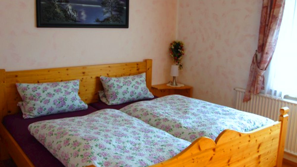 schneider-ferienwohnungen-bauernhofurlaub-bayern-blumenwiese