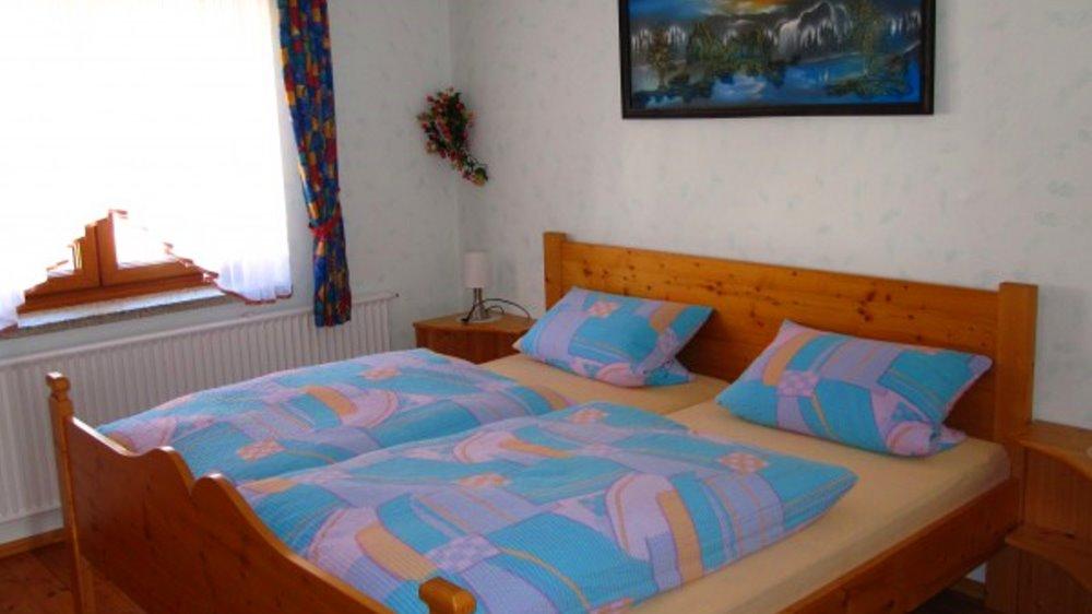 schneider-ferienwohnungen-lindenbluete-schlafzimmer