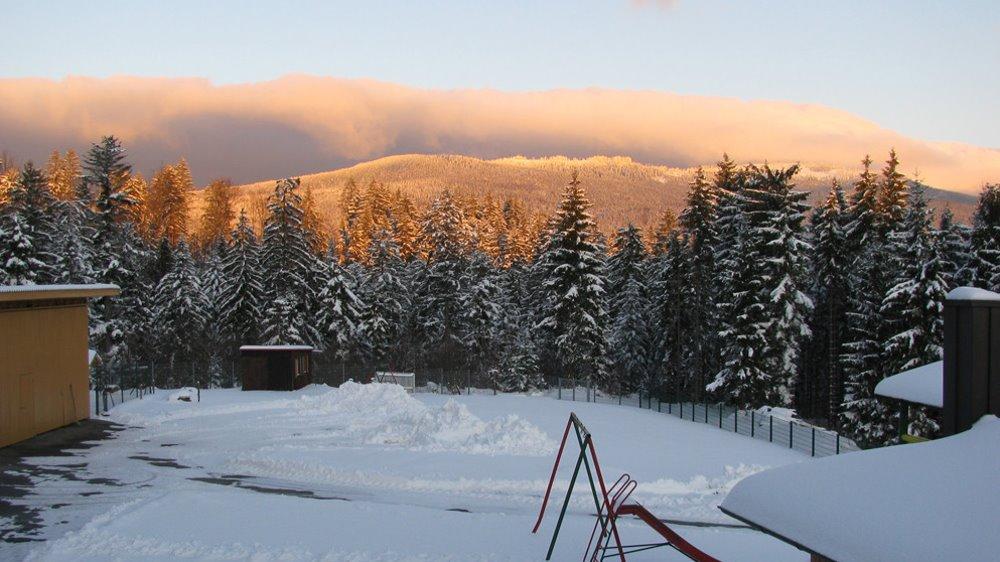 spannbauer-ferienhaus-winterurlaub-bayerischer-wald-berg-ausblick