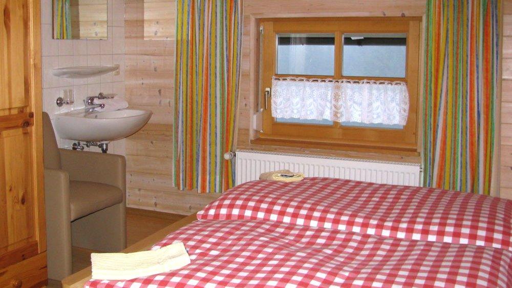 spannbauer-ferienwohnungen-bayerischer-wald-doppelzimmer-betten