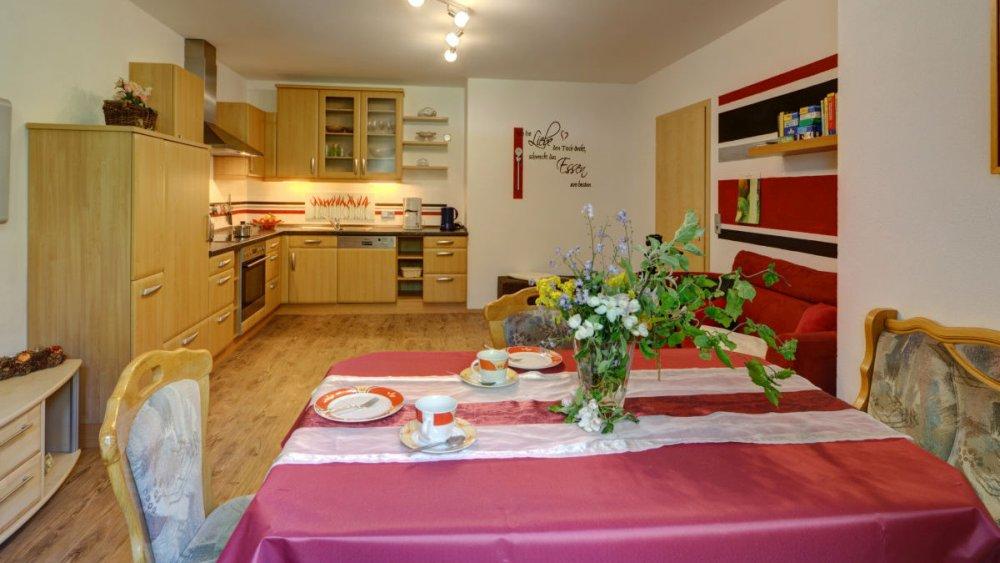 sterl-ferienwohnung-wohnkueche-mit-spuelmaschine-unterkunft-passau