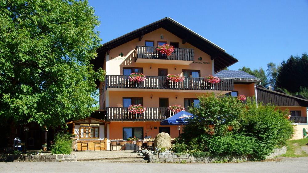 Neuhof das Familien, Wellness & Bikehotel in Niederbayern