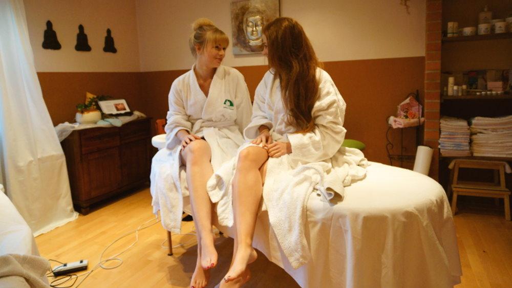 neuhof-wellnesshotel-massagen-angebote-bayerischer-wald