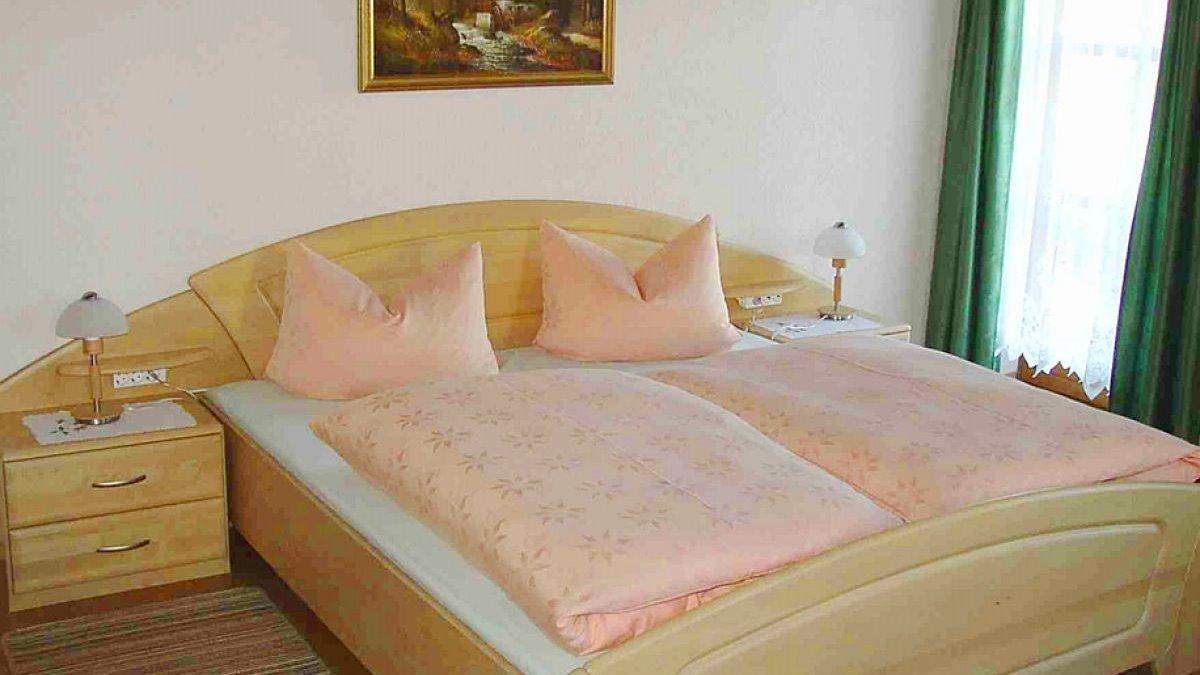 ernst-ferienwohnung-landkreis-regen-schlafzimmer