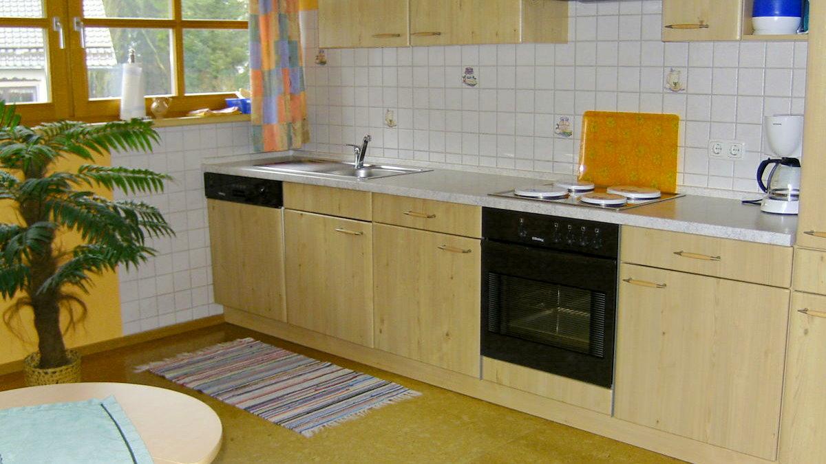 ernst-ferienwohnungen-bayerischer-wald-kueche-kochen