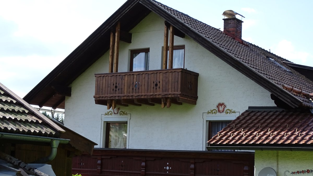gaestehaus-jutta-pension-lindberg-bayerischer-wald-aussenansicht