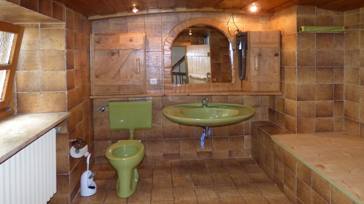 richards-almhuette-urlaub-deutschland-badezimmer-selbstversorgerhaus-mieten