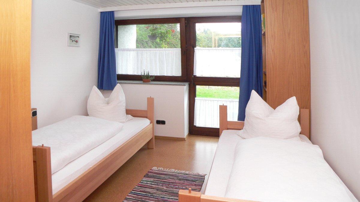 zeintl-ferienwohnung-wiesenfelden-einzelbetten-ferienhaus