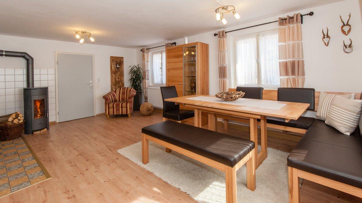 ferienhaus-kaminofen-bayerischer-wald-holzofen-ferienwohnung