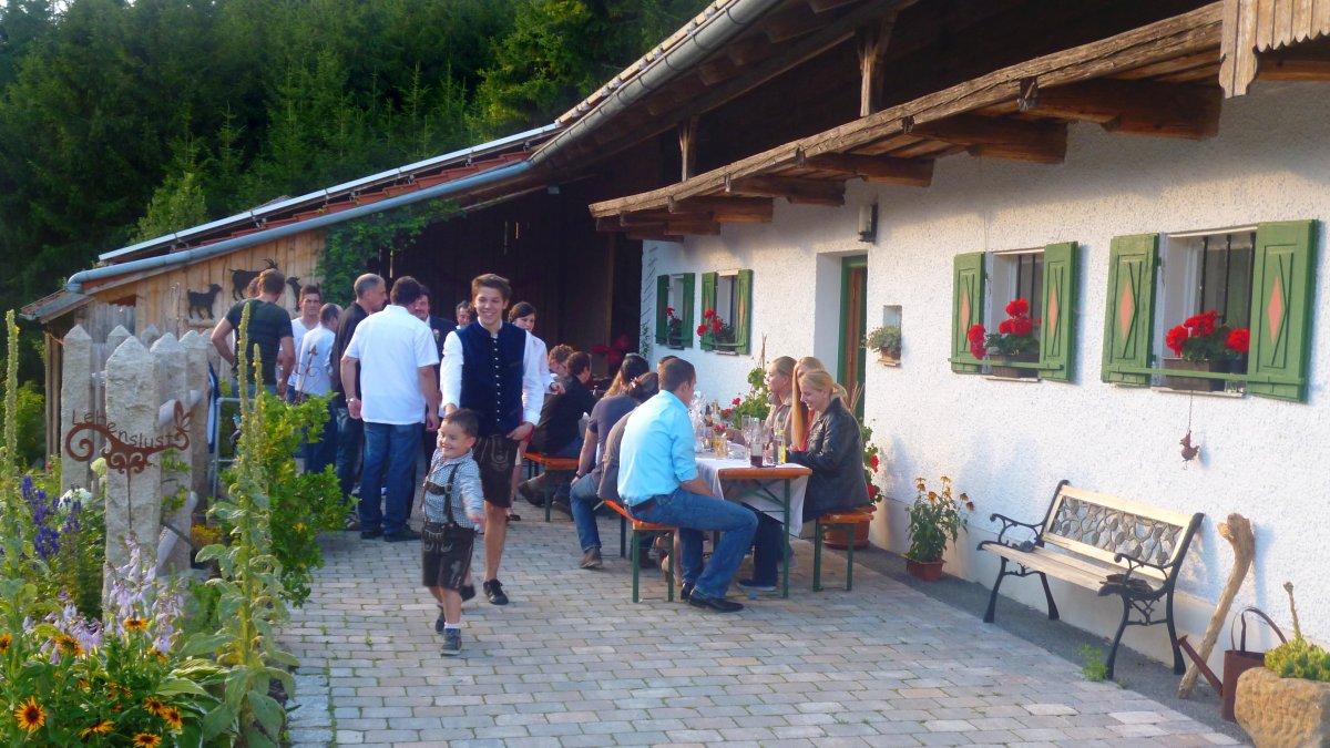 geisberg-gruppenhaus-bayerischer-wald-gruppenurlaub-party-feiern-essen