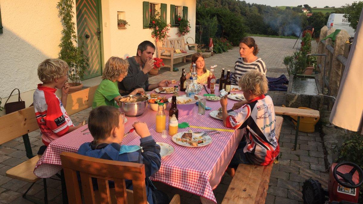 geisberg-gruppenurlaub-bayern-gemeinsam-essen