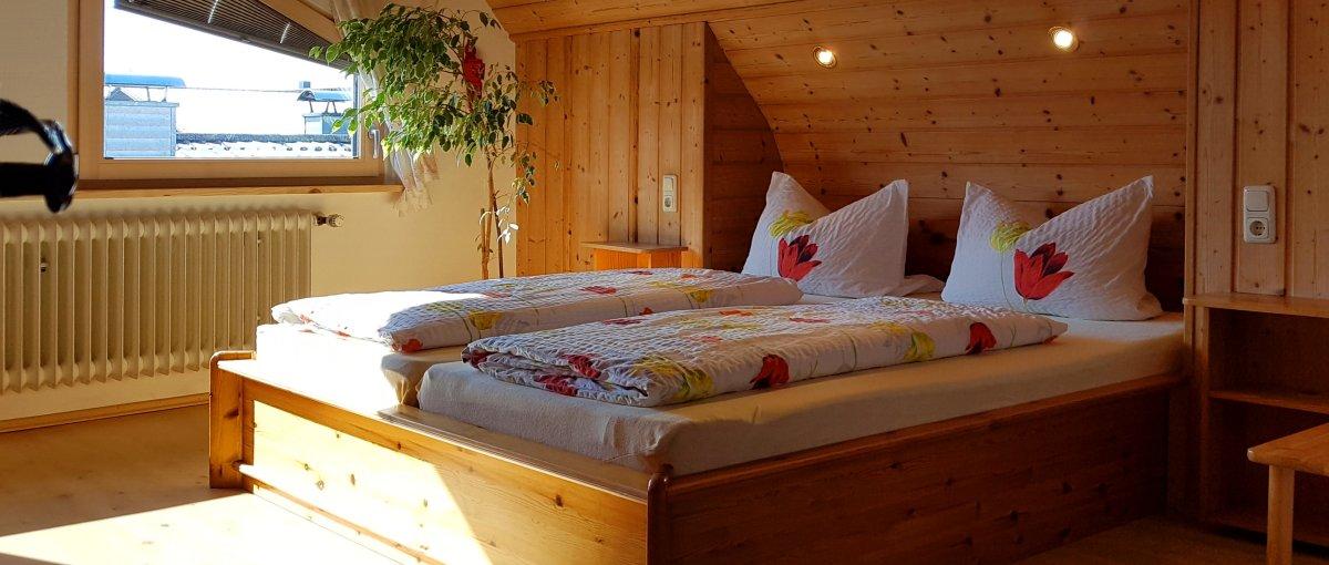 brechenmacherhof-rinchnach-ferienwohnungen-bauernhofurlaub-übernachtung-zimmer