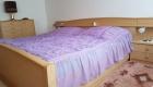 feigl-straubing-bauernhof-ferienwohnung-bayern-schlafzimmer