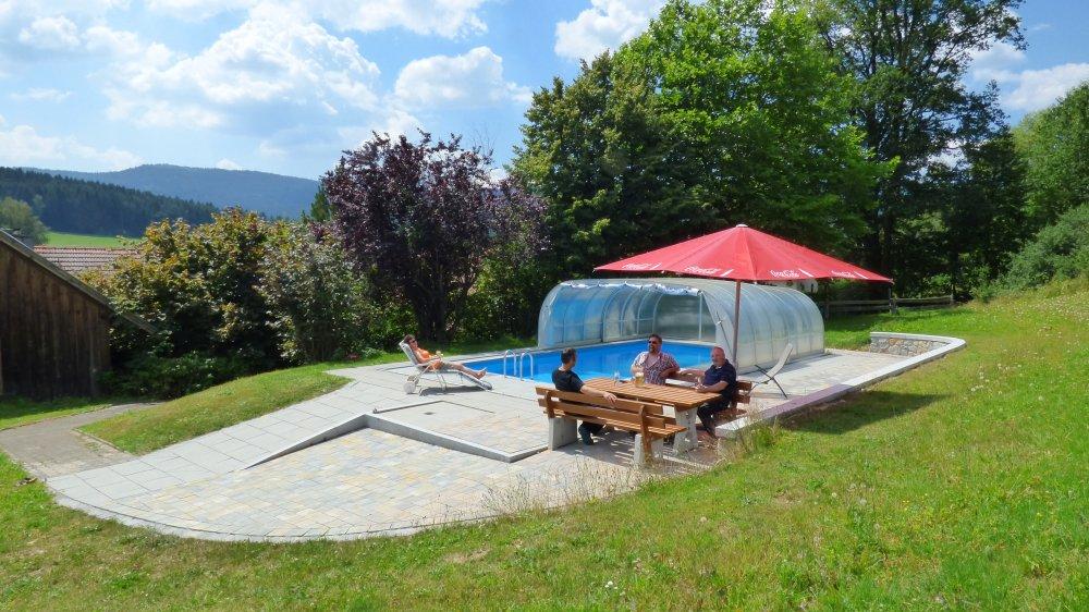 kraus-bayerischer-wald-gasthof-mit-swimming-pool-niederbayern