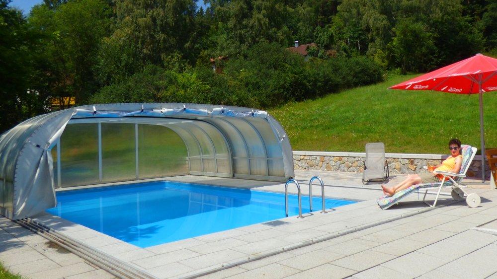 kraus-bayerischer-wald-gasthof-swimming-pool-niederbayern