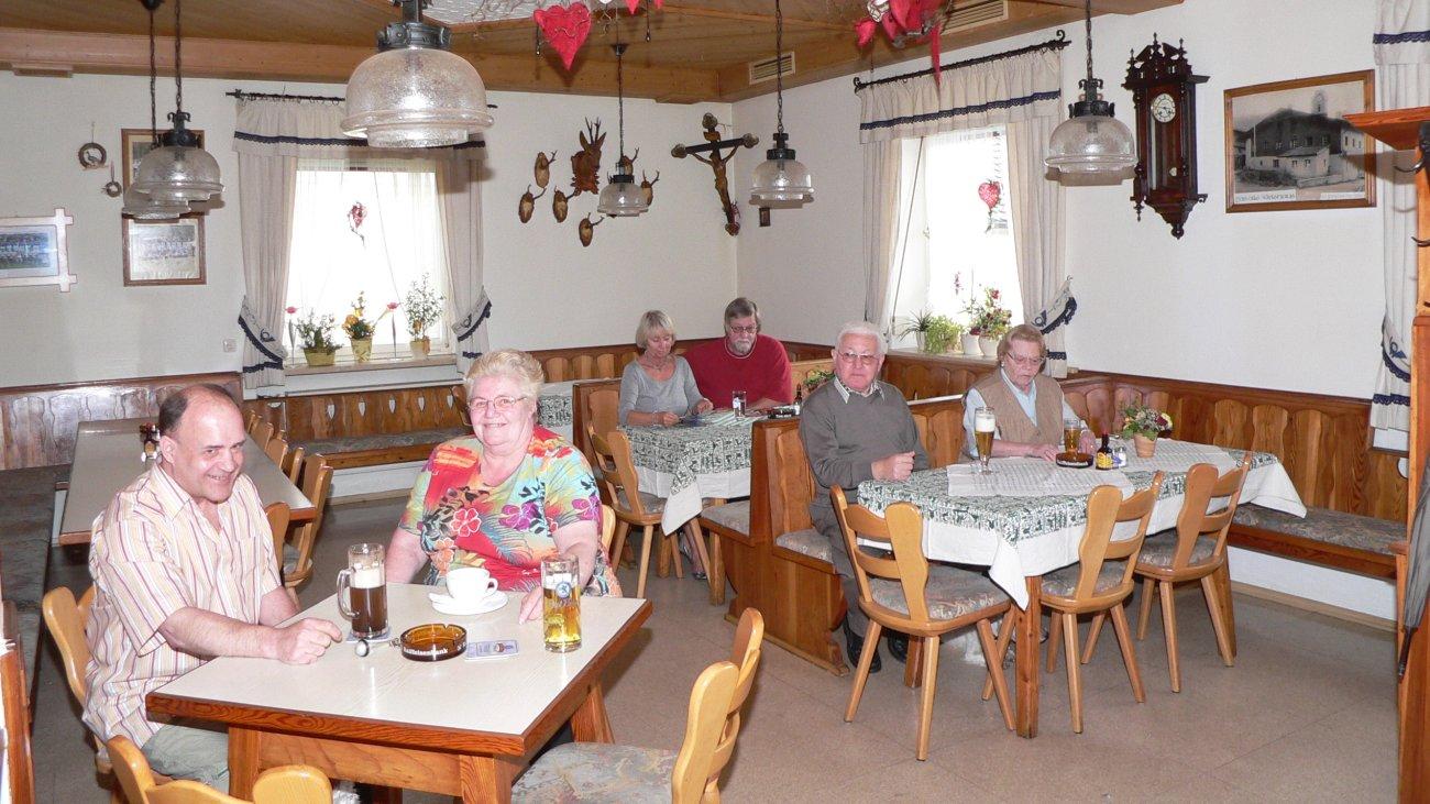 kraus-gasthof-pension-zur-post-gaststube-essen