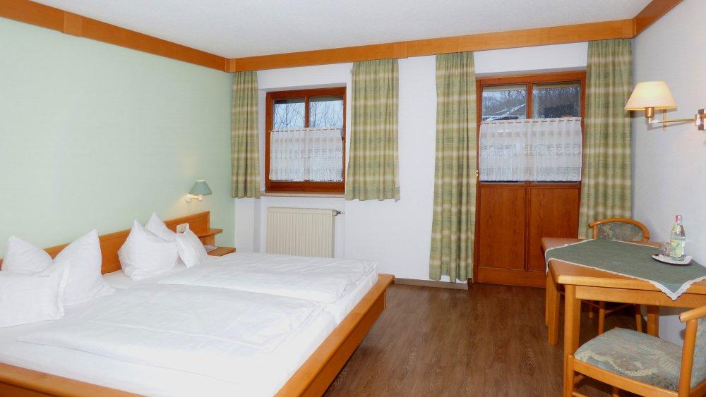 lindenhof-hetzenbach-hotel-bayerischer-wald-gasthof-zimmer