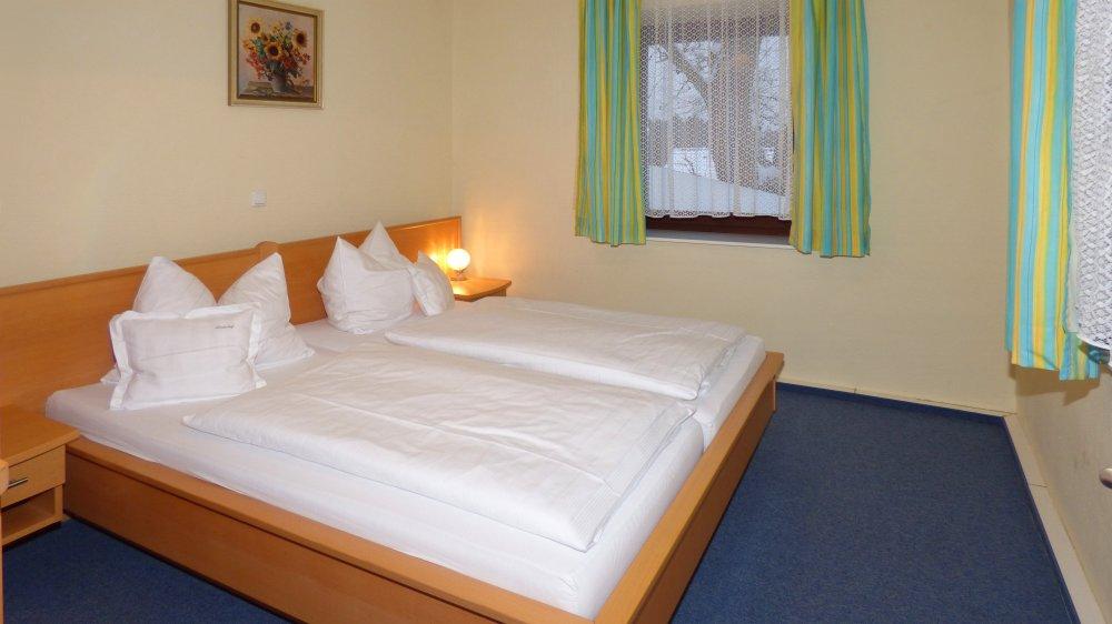 lindenhof-hotel-oberpfalz-appartement-regensburg-schlafzimmer