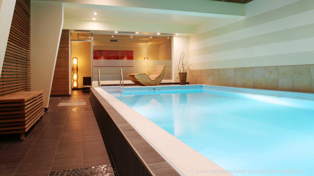 postwirt-wellnesshotel-freyung-hallenbad-grafenau-schwimmbad