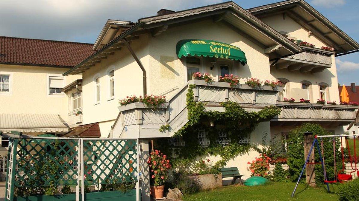 seehof-freudensee-pension-hauzenberg-zimmer-unterkunft-garten
