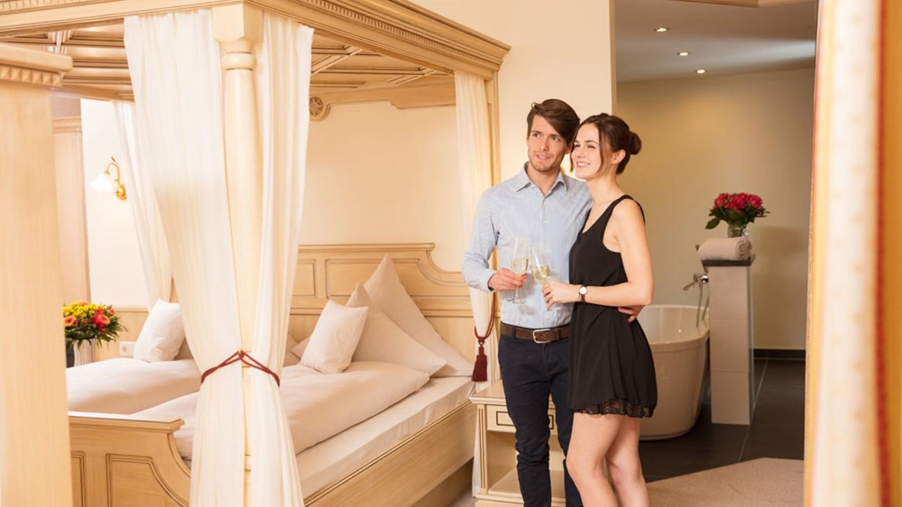 waldschloessl-wellnesshotel-bayern-traumsuite-romantikurlaub
