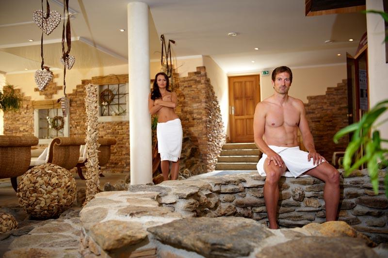 waldschloessl-wellnesshotel-fitnessstudio-spa-bereich