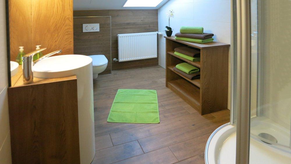 wieshof-ferienwohnungen-bayern-biohof-badezimmer